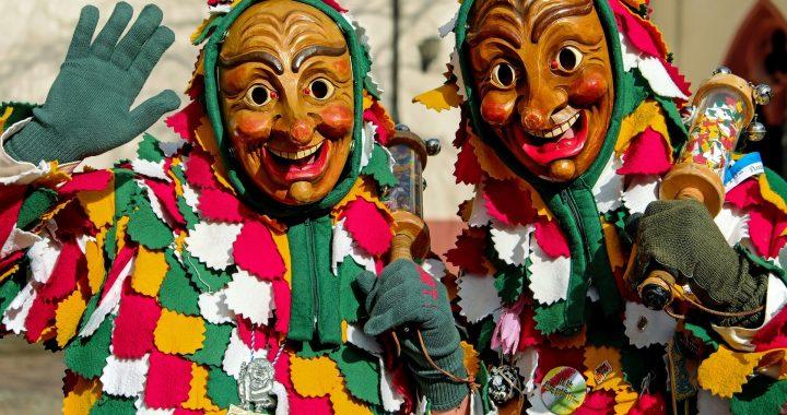 Maschera tipica di Carnevale in Sicilia