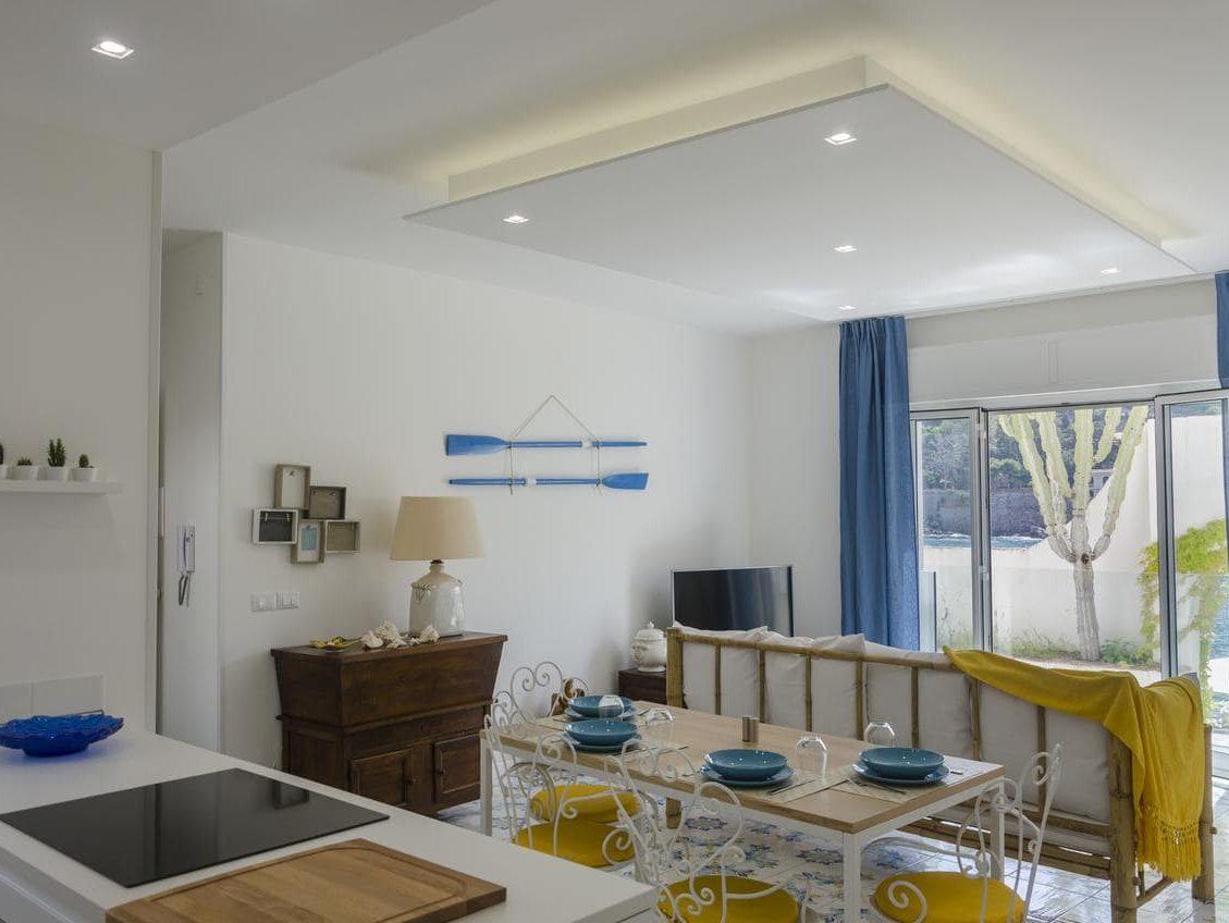 appartamento moderno sul mare